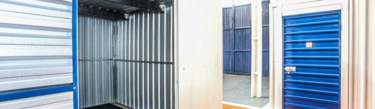 imagem de um galpão com box de self storage